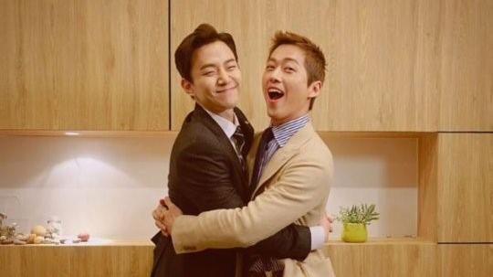 """2PM Junho là chuyên gia bromance trong """"Good Manager"""""""